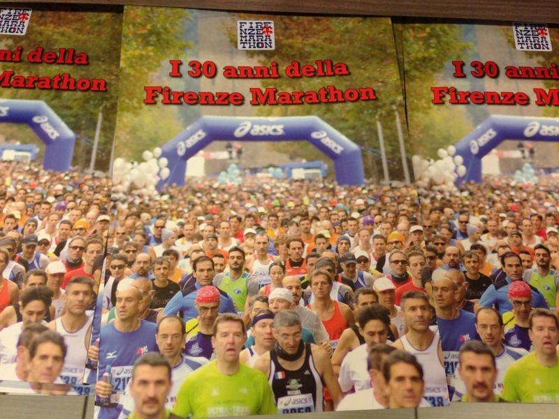 """Presentato il libro sui 30 anni della """"Firenze Marathon"""""""