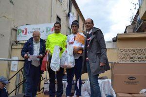Premiazione vincitori Puccio e Scionti con il consigliere comunale Vaccarino