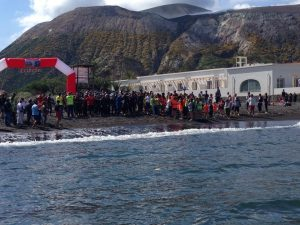 Atleti in partenza. AeolianTriathlon 2014