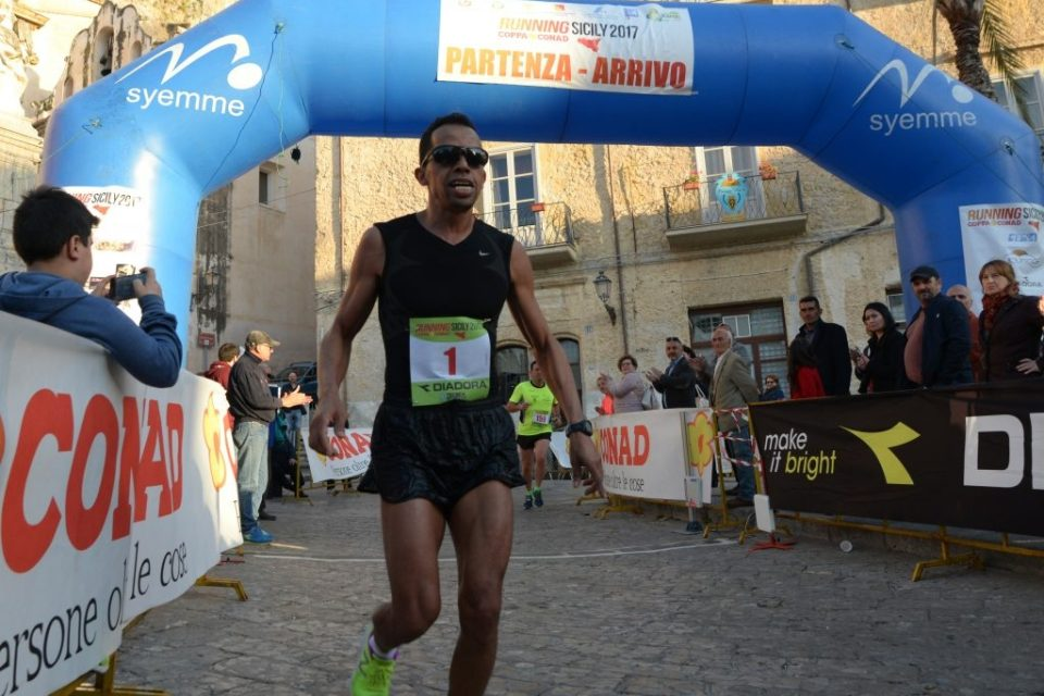 La firma di Hajjy sulla prova di Cefalù del Running Sicily