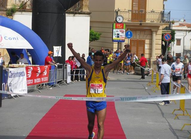 """In 1000 alla """"Maratonina di Terrasini"""", 128 messinesi al via"""