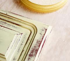 Decoriamo i mobili grazie alla vernice effetto crachelè