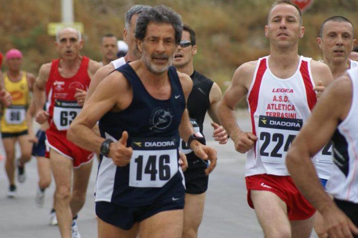 Giuseppe Ruggeri in corsa al Campionato Italiano della 50 km