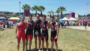 Gruppo dei giovani triatleti