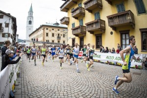 Cortina-Dobbiaco-Run-2015-partenza