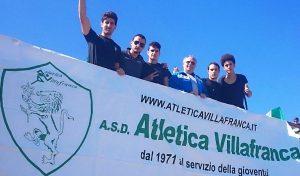 Ragazzi Atletica Villafranca con il tecnico Giuseppe Locandro