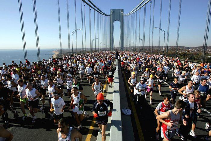 Le maratone di New York e Berlino alzano bandiera Bianca
