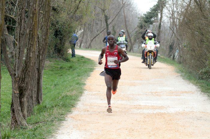 L'ex idraulico keniano Chumba conquista Treviso