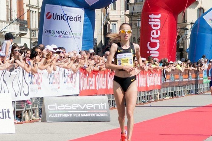"""Rosaria Console terza alla """"19^ Padova Marathon"""""""