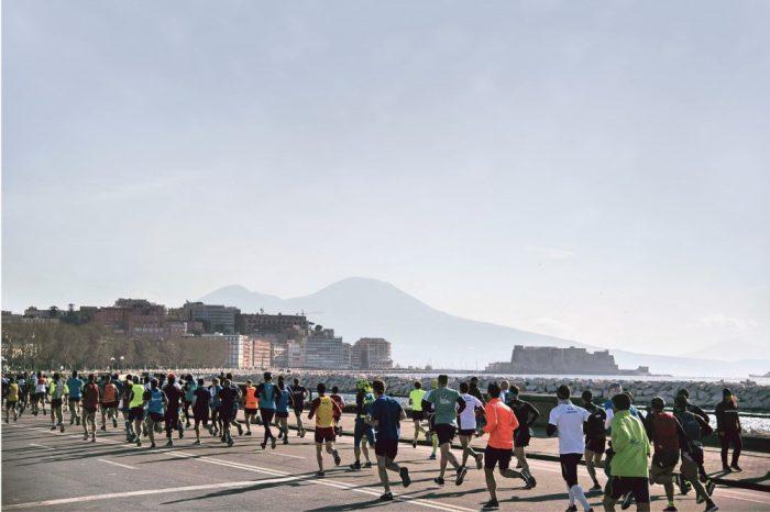 """La """"Napoli City Half Marathon"""" diventa digitale"""